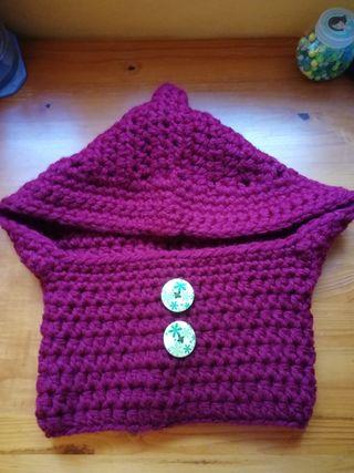 Cuello bufanda con capucha de punto hecho a mano