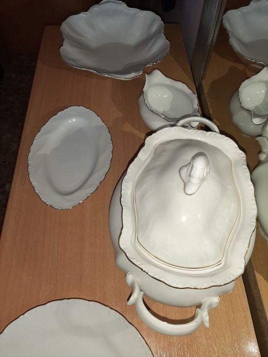 vajilla de porcelana fina.