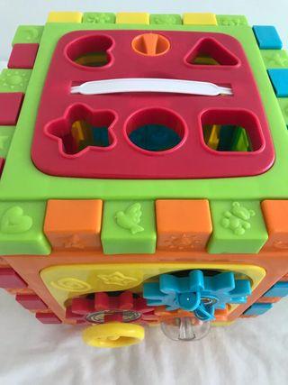 Cubo multi actividades, juguete básico