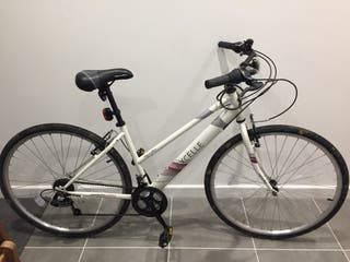 """Apollo Excelle Womens Hybrid Bike -17"""" Frames"""