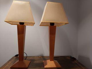 Pareja de lamparas en madera