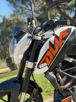 MOTO DUKE 125