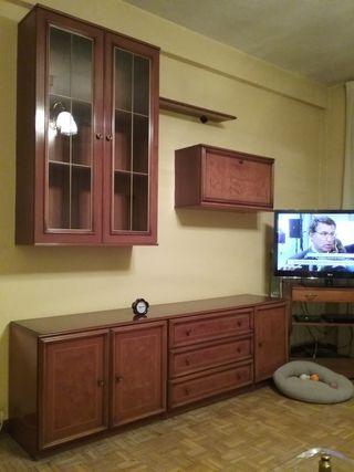 Muebles de salón y mesa comedor con 6 sillas