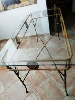 Muebles de forja y ratán