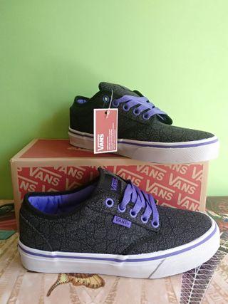 Zapatillas Vans Negras. Nuevas con etiqueta de segunda mano