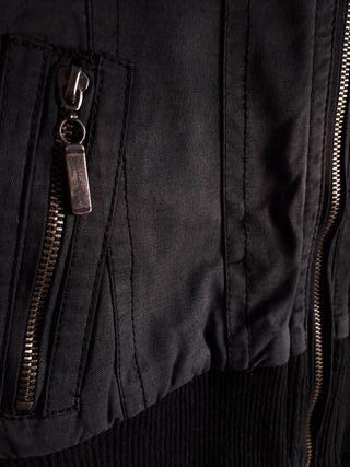 Abrigo chaqueta anorak negro Bershka t 40