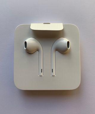 EarPods con conector Lightning (Nuevos a estrenar)