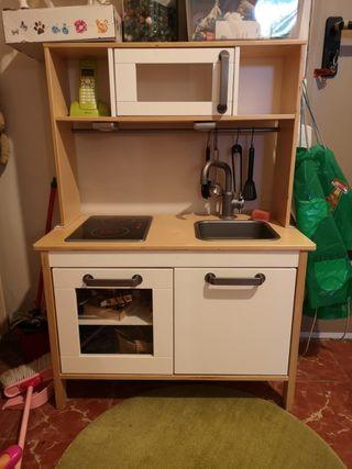cocina Ikea en perfecto estado