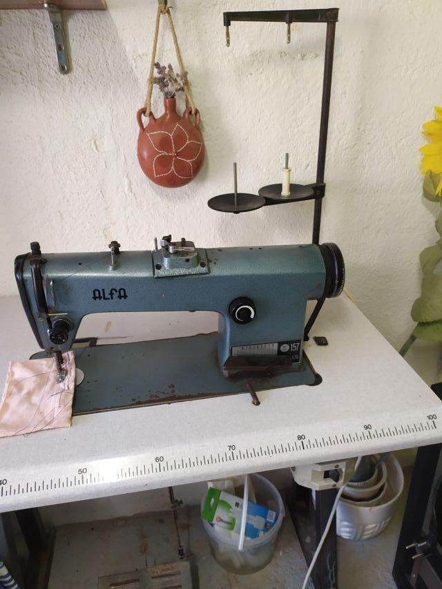 Máquina coser industrial Alfa 157 de segunda mano por 125