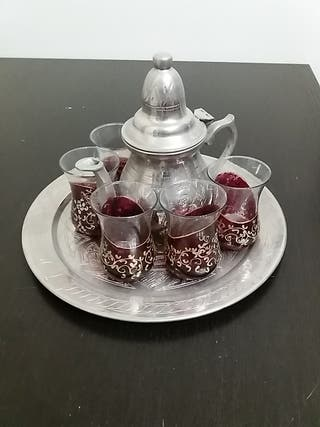 Juego de té árabe.