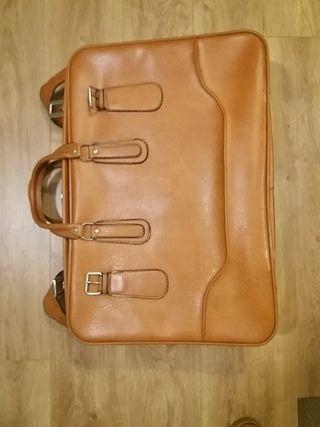 maleta piel años 70. Marrón.