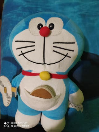 Muñeco interactivo Doraemon