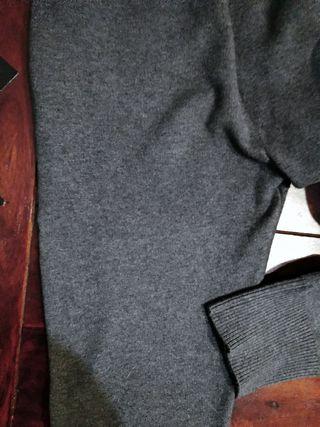 pantalones chándal zara talla L (38/40)