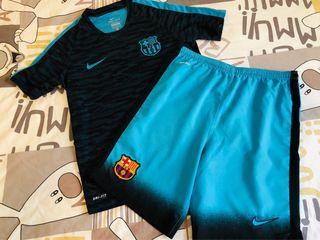 Conjunto Nike FC Barcelona talla 10-12 años
