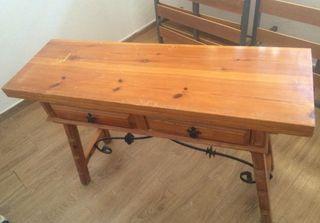 Mesa madera maciza extensible.