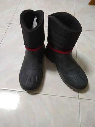 botas de nieve o agua