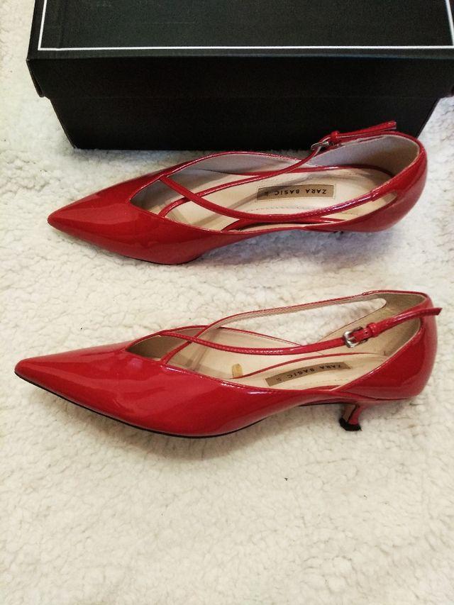 zapatos tacón zara charol rojo talla 37