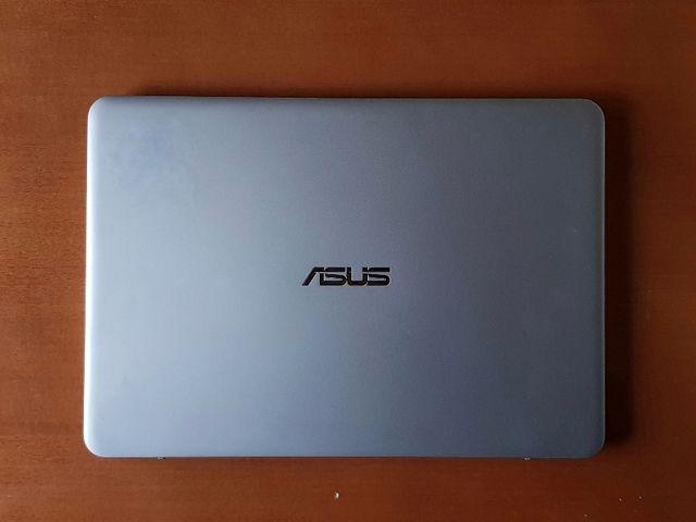 Ordenador portátil ASUS Zenbook UX305CA Ultrabook