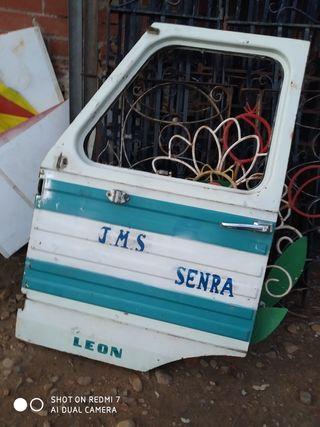 puerta camion Pegaso