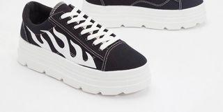 Cute shoes Size 6