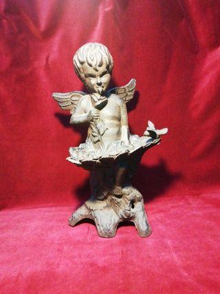 Angel de forja escultura hierro colado bebedero