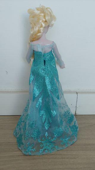 Elsa y Anna de Frozen de segunda mano por 25 € en Cerdanyola