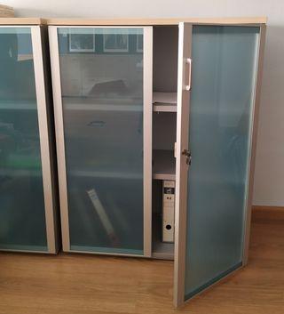 Armario oficina con puertas de cristal