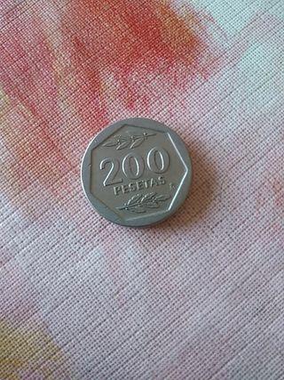 200 PTAS