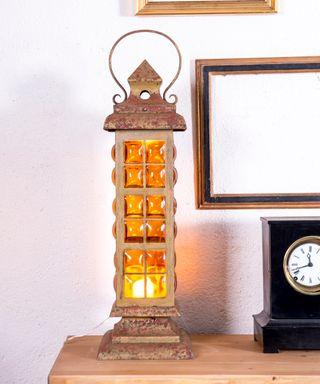Lámpara Farol De Mesa Antiguo