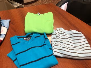 Lote de ropa de niño de edad de 5-6 años