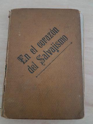 En el corazón del salvajismo, libro antiguo 1930