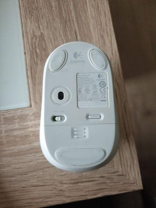 Raton Bluetooth Logitech V470