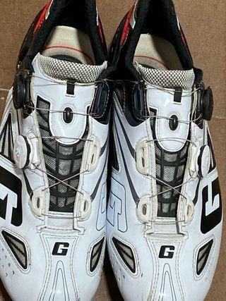 Conjunto zapatillas gaerne carbon + casco dotout