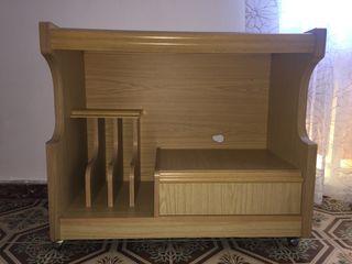 Mesa para la televisión