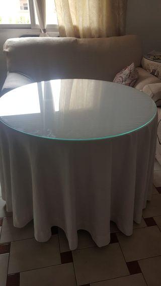 mesa camilla+ cristal+ ropa
