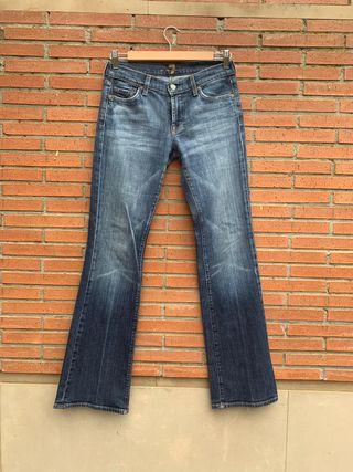 Pantalón vaquero marca Seven for all mankind