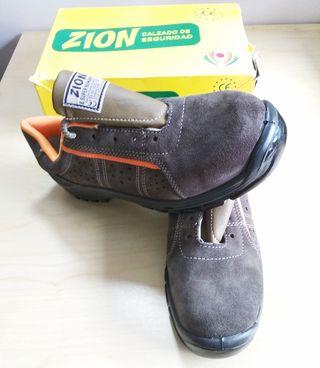 Zapatos de seguridad N°45. (Nuevos a estrenar)