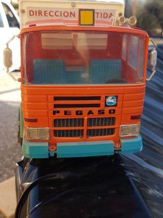 camión de juguete Pegaso Rico