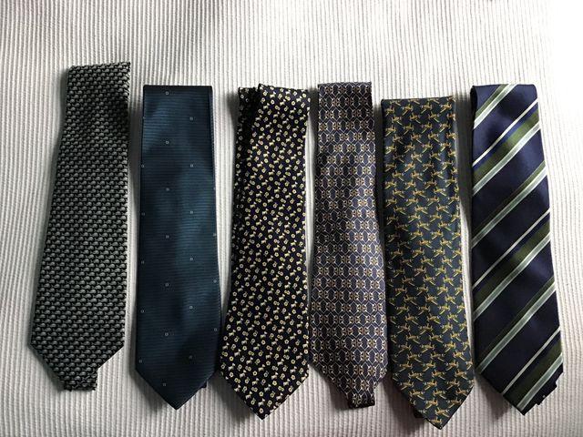 Corbatas de seda de varias marcas tonos verdes
