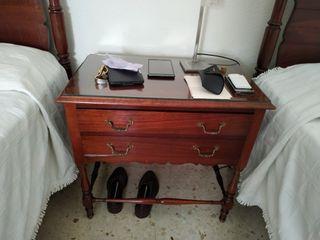 dormitorio madera antiguo