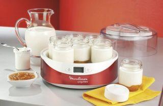 Yogurtera Moulinex con 6 vasos y tapas