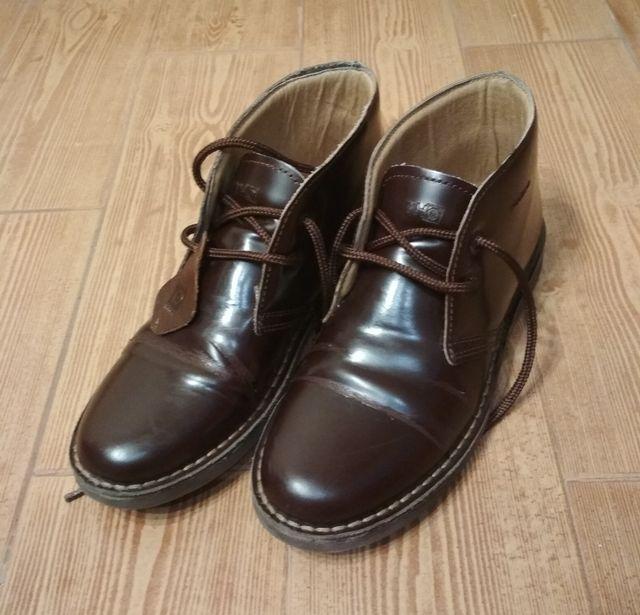 Bota Thousand talla 38, color marrón.