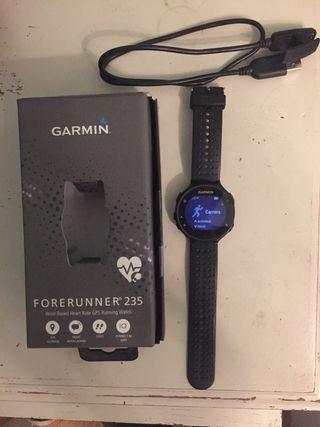 Reloj pulsómetro Garmin 235