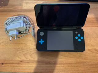 Nintendo 2DS XL - Color negro y turquesa