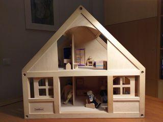 casita de juguete de madera
