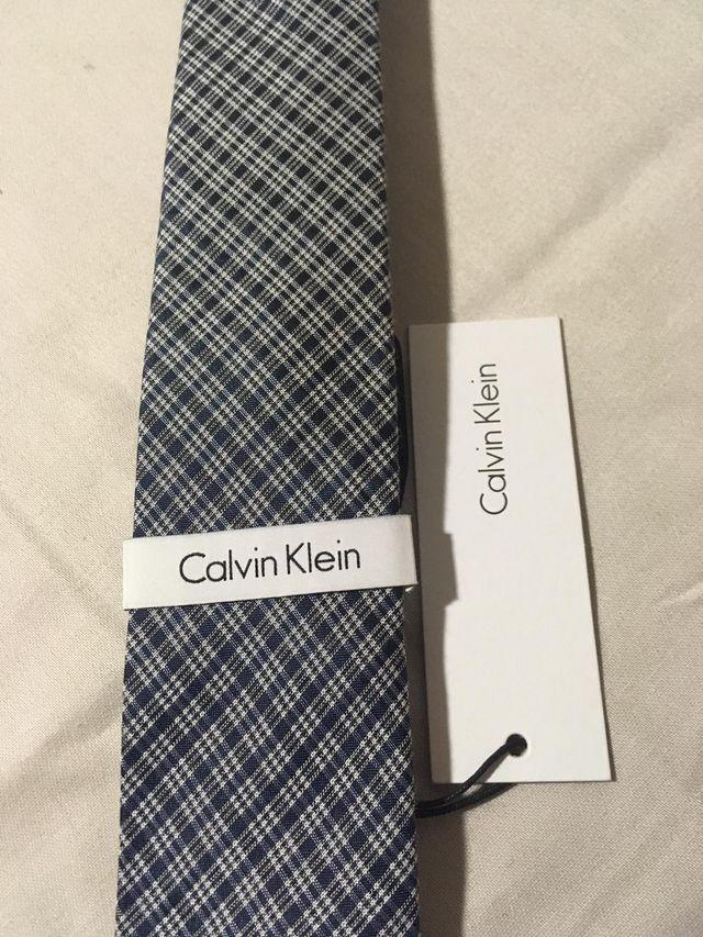 Corbata Calvin Klein NUEVA