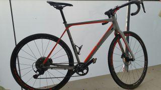 Cube ciclocross / gravel