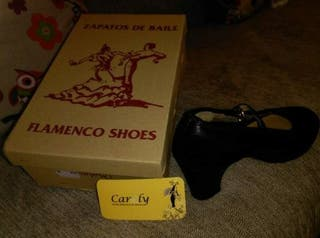 Traje de Sevillana o Flamenca con zapatos