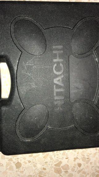 Atornilladora y radial de batería hitachi