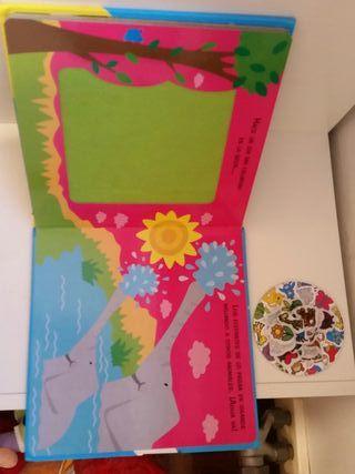 Libro infantil con animales de fieltro. Susaeta
